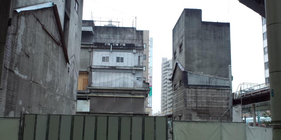 カネスエの建物ほぼ無くなる